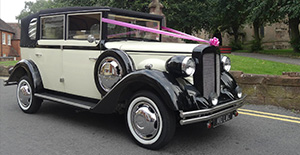 Regent landaulet in black and ivory